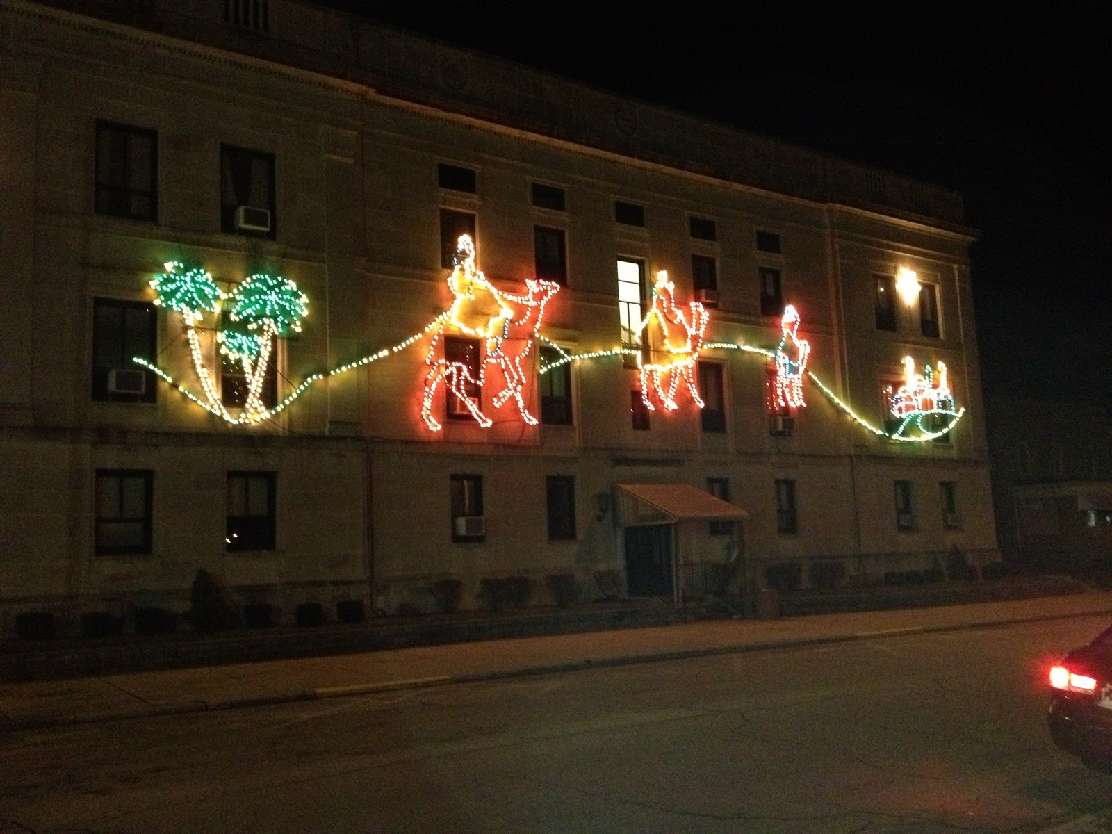 MarkDaniels.Blogspot.com: Logan Christmas Lights I