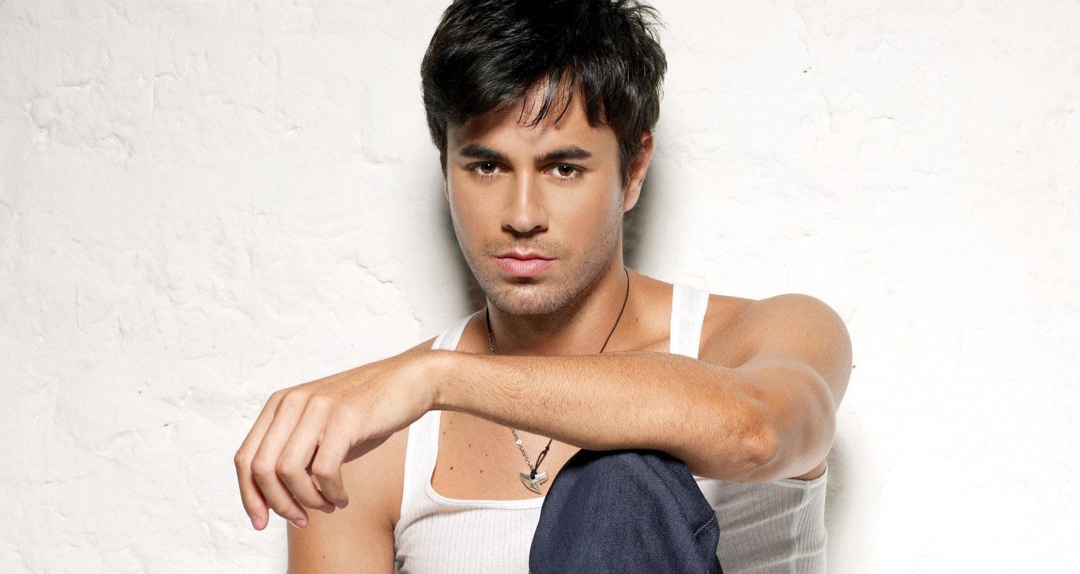 http://1.bp.blogspot.com/-thIPz3Wc-3w/TjRF62yPqBI/AAAAAAAABys/Y4UDDKBetX4/s1600/Enrique-Ayer.jpg