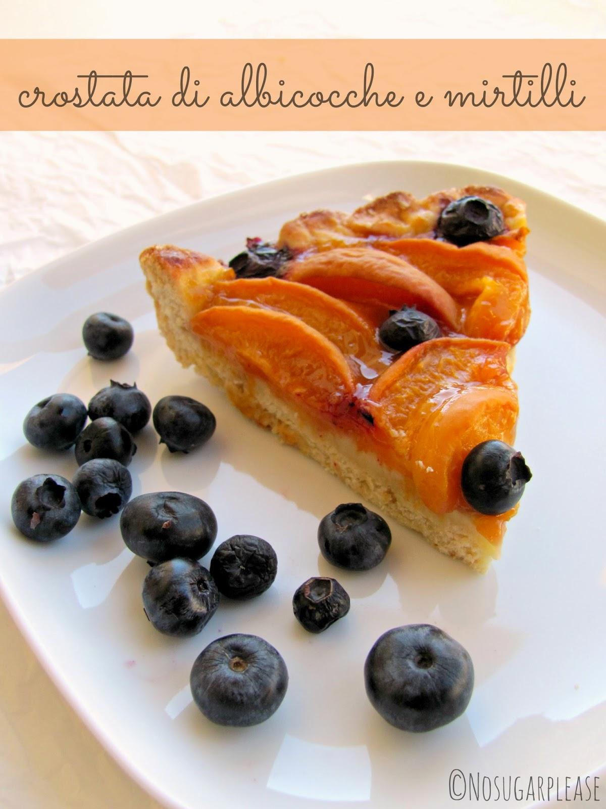 crostata albicocche e mirtilli senza zucchero vegan