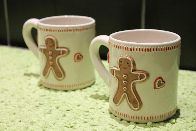 Gingerbread Man Tea Pot Mugs, Tea Set