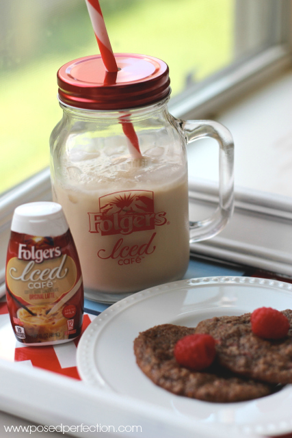 Folgers Iced Cafe is the perfect summer afternoon pick-me-up!