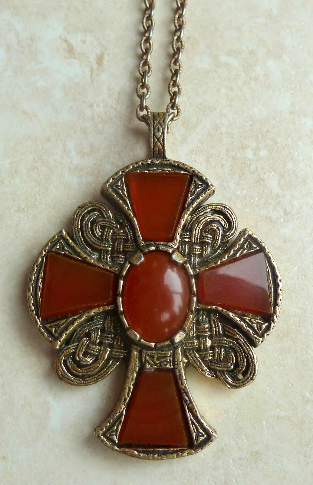 http://www.kcavintagegems.uk/vintage-st-margarets-cross-necklace-by-miracle-138-p.asp