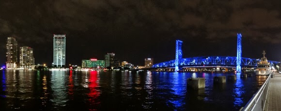 Mainstreet Bridge bei Nacht - St Johns River Jacksonville USA