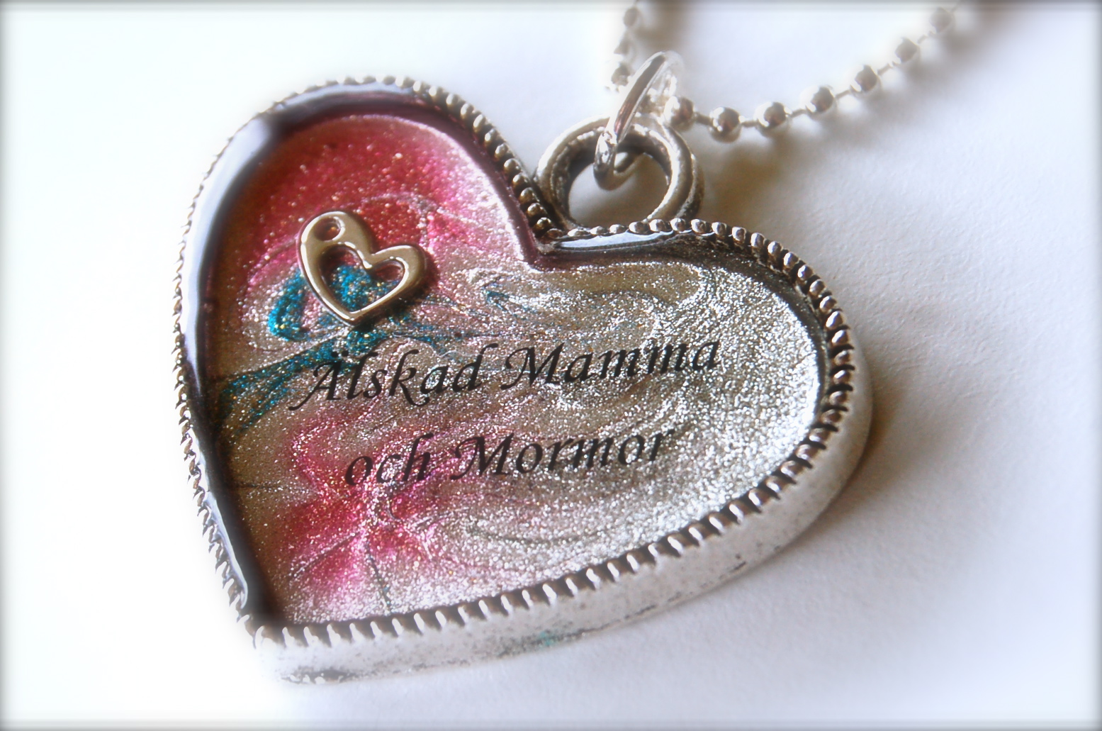 Nail polish jewelry, jewellery, nail polish necklace, bild, bilder nagellackssmycke, smycke nagellack, blogg nagellack