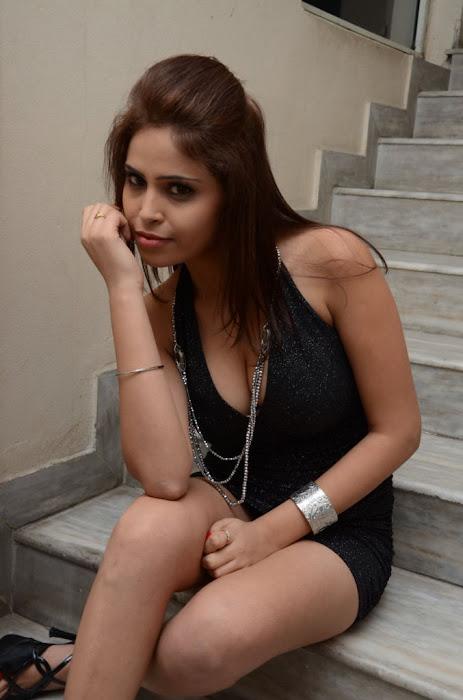 shreya raju , new heroine shreya raju unseen pics