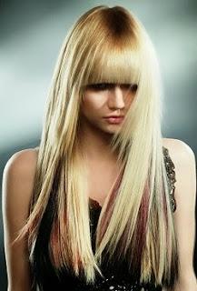 pelo liso con puntas desfiladas y flequillo completo