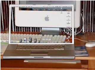 Komputer Unik Transparan