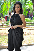 Mishti Chakraborthy latest sizzling pics-thumbnail-7