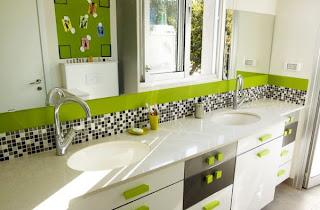 kamar+mandi+kecil Desain kamar mandi kecil cantik untuk anak anak