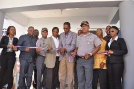 Gobierno inaugura destacamento policial en Paraíso