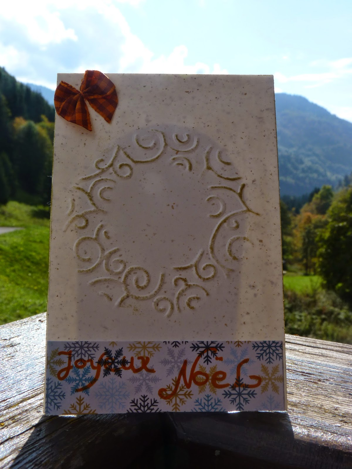 cardstock, carte doré, carte de noel, toga, jeux d'hiver, noeud orange, gaufrage, embaussage à froid, strass, joyeux noel