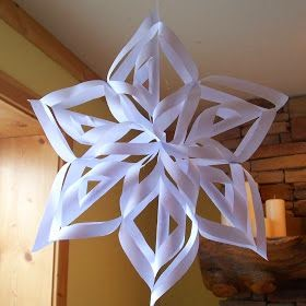 The princess birthday blog frozen diy snowflake decorations for Diy paper snowflakes 3d
