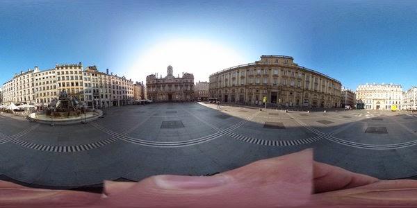 Essas fotos planas são combinadas pelo software da câmera em uma imagem esférica que pode ser vista em um aplicativo com versões para iOS e Android