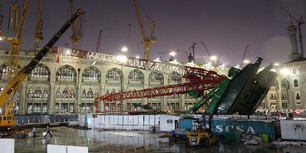 Crane Jatuh di Masjidil Haram, Ratusan Jamaah Haji Jadi Korban