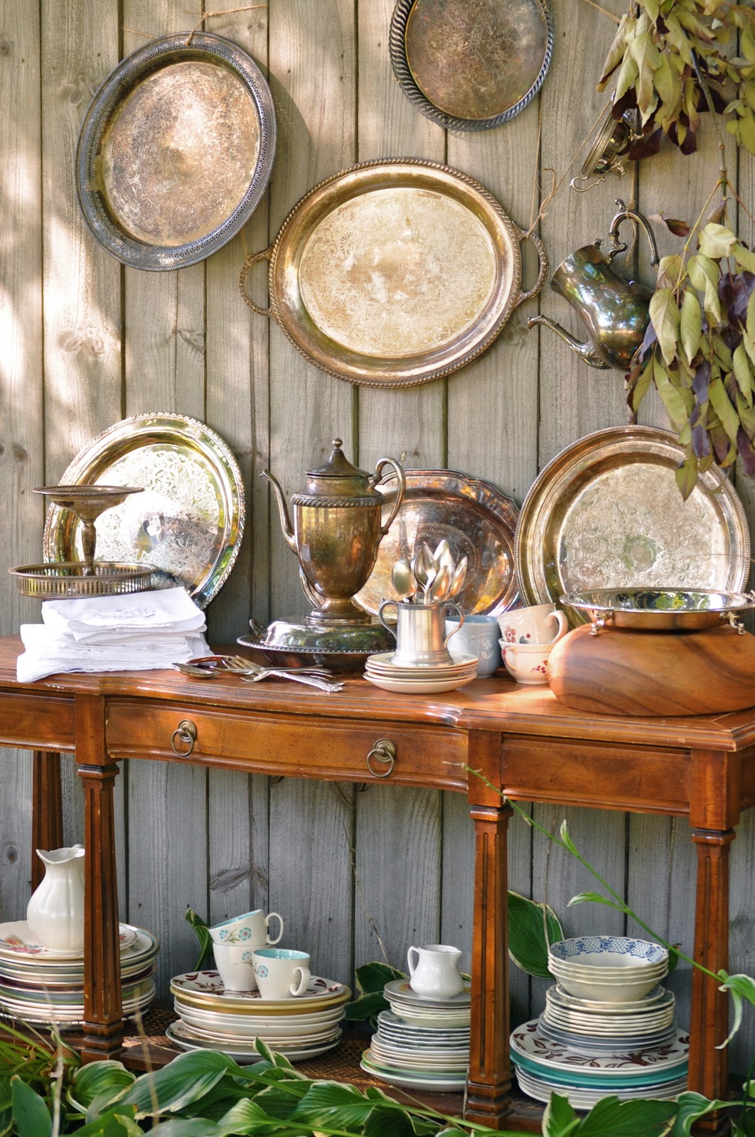 Fall tea party holly mathis interiors for How to decorate for a tea party