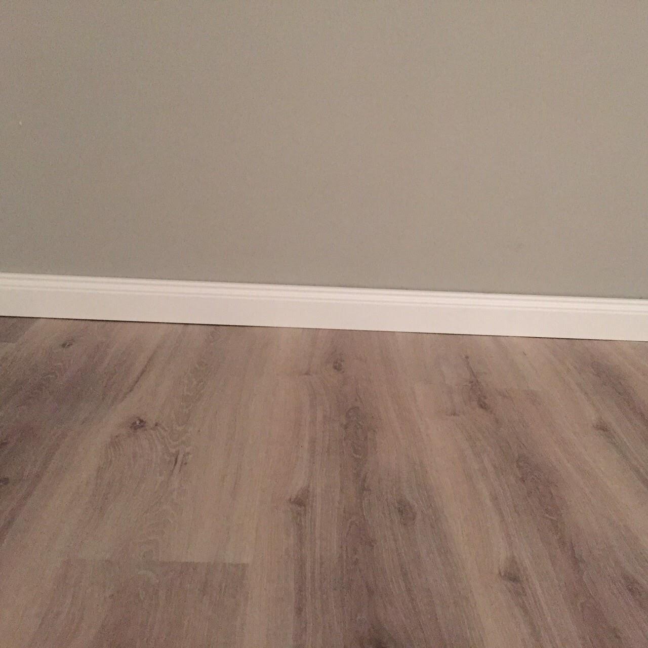 abenteuer hausbau in der heide vinyl und laminat fertig. Black Bedroom Furniture Sets. Home Design Ideas