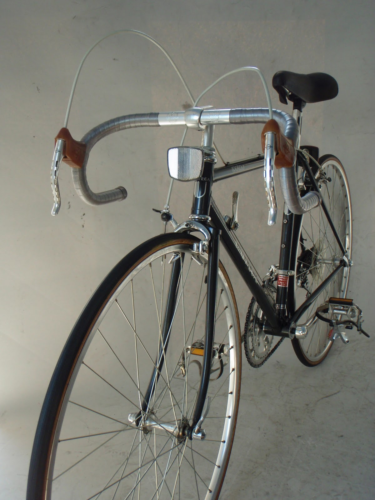 Frame And Wheel Selling Services 1984 Univega Sportour 47cm Steel