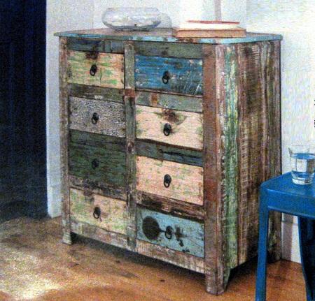 Muebles auxiliares con madera reciclada for Diseno de muebles con madera reciclada