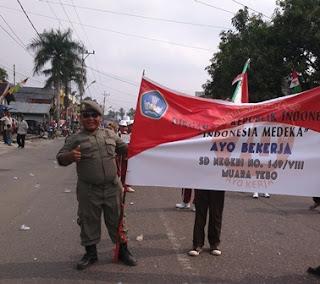Ikut Serta SD Negeri No.149/VIII Muara Tebo Dalam Pawai Pembangunan HUT RI ke-70