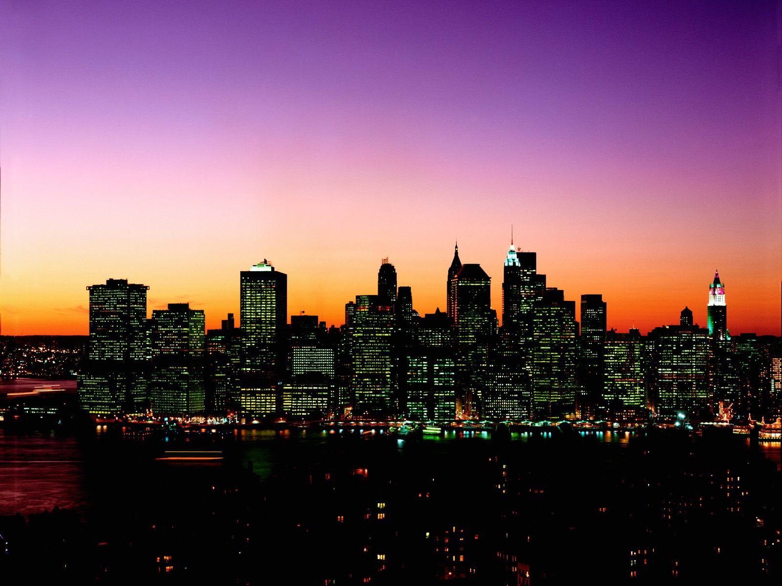 http://1.bp.blogspot.com/-tjMN9uhQ98Y/Tm0kU5-S9SI/AAAAAAAAChY/9jygZIh6-w8/s1600/Manhattan+Skyline+at+Twilight%252C+New+York.jpg