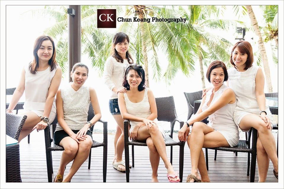penang family portrait photographer, friends photo, family photos photographer, friends group photos, freelancer photographer, four points by sheraton penang.,
