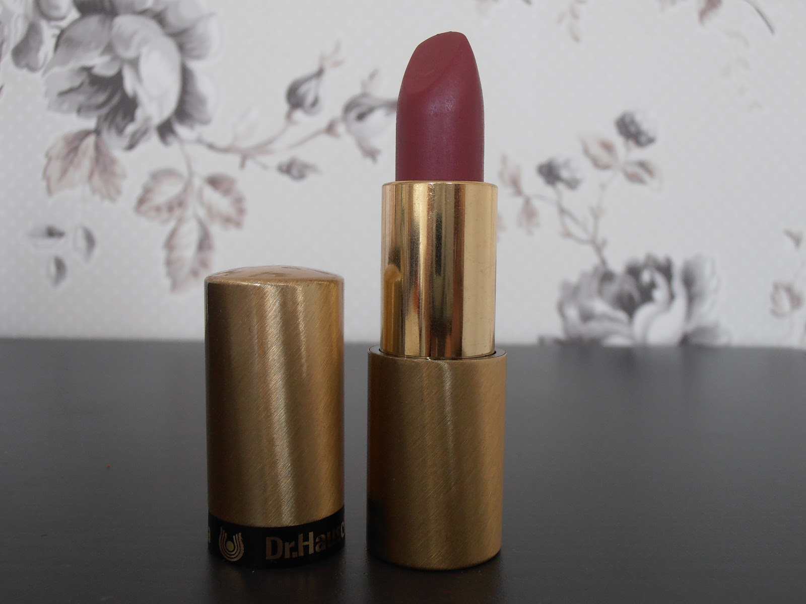 beauty oracle dr hauschka lipstick 15 violet marble. Black Bedroom Furniture Sets. Home Design Ideas