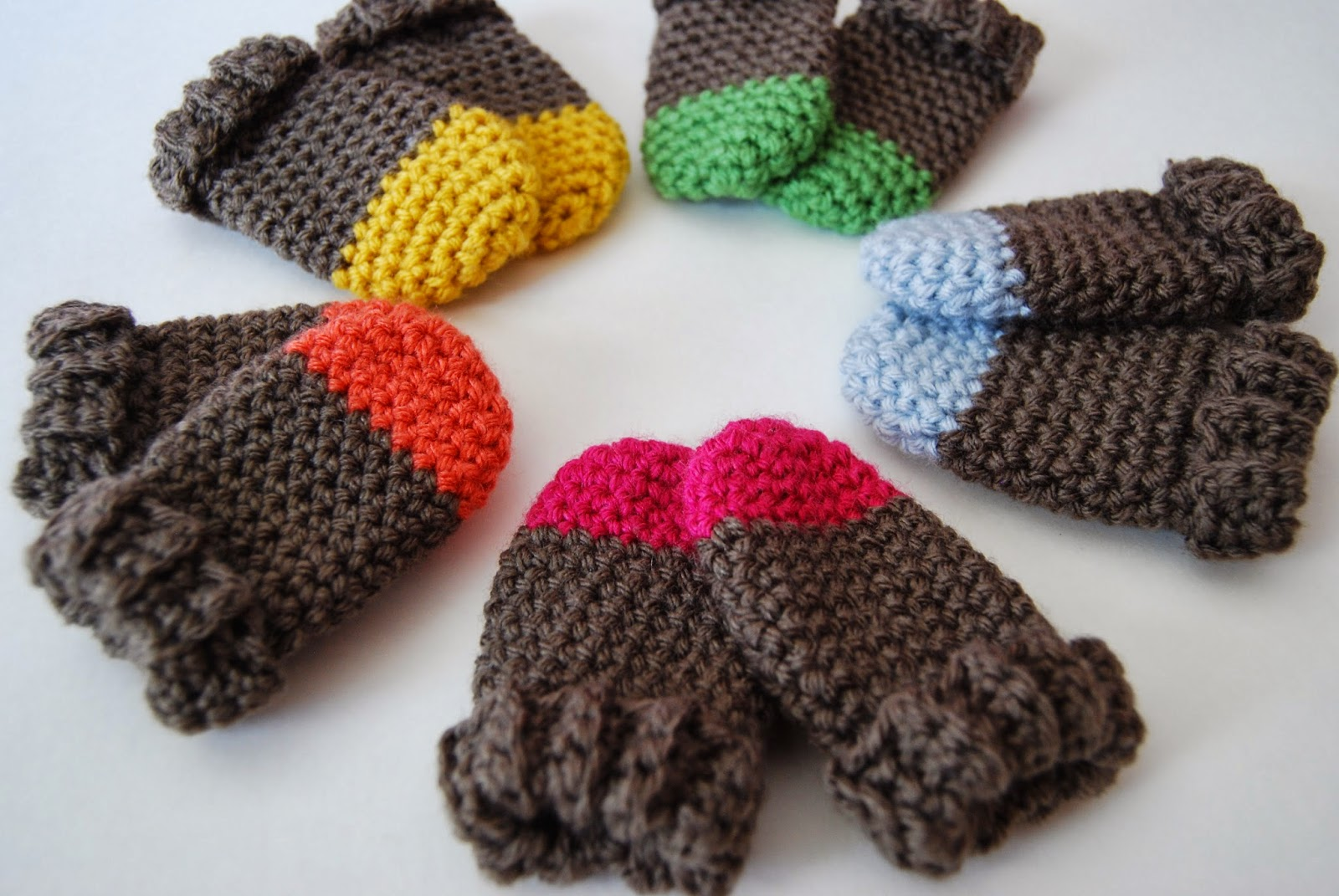 Free Crochet Baby Mittens Pattern : tangled happy: Two Tone Baby Mittens Crochet Pattern {Baby ...