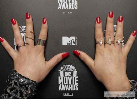 pelo 2014-look manos y uñas