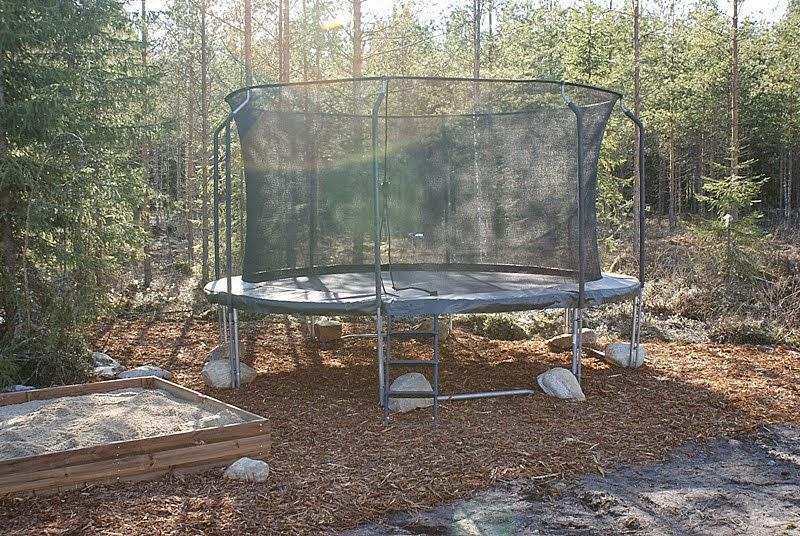 acon trampoliini, hiekkalaatikko, kuorikate