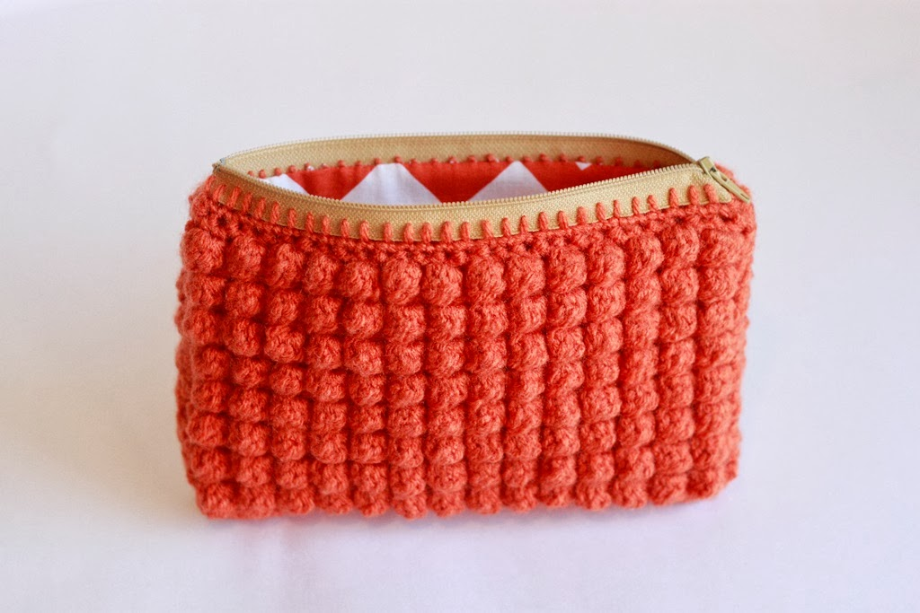 Crochet Zipper Stitch : Liz Makes: Liz makes a crocheted clutch with a zipper and a lining