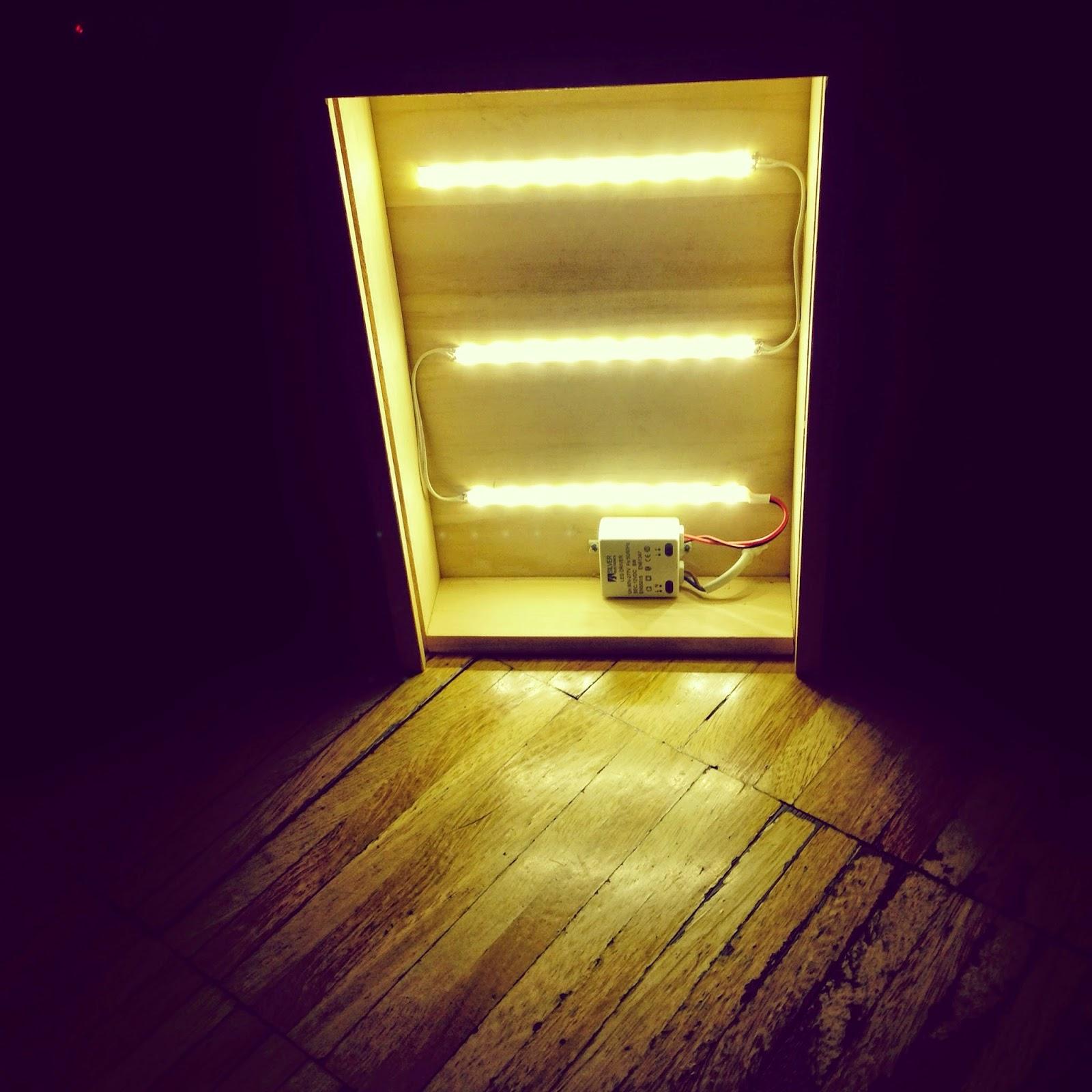 Cajas de luz proyectos de rojosill n rojosill n - Caja de luz de madera ...