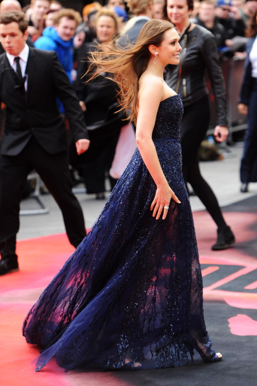 Elizabeth Olsen Flaunting at Premiere of 'Godzilla' in London