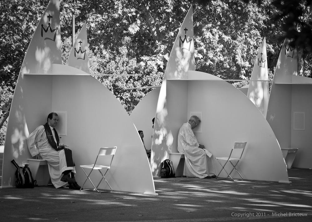 JMJ 2011 : 200 confessionaux installés dans le Parc du Retiro