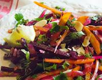 Salada Crua de Beterraba e Ervas Frescas (vegana)