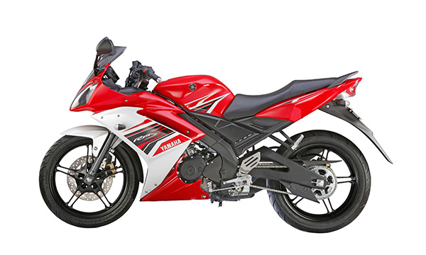 Ini perbedaan antara Yamaha YZF R15-V2 dengan Yamaha YZF R15-S,enjoy super sport with ease . . take a seat!
