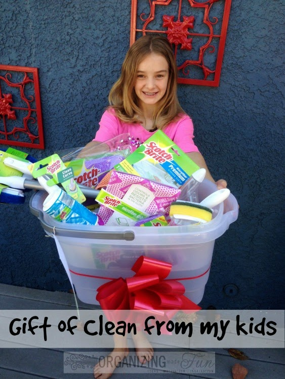 Kids give the #GiftofClean :: OrganizingMadeFun.com