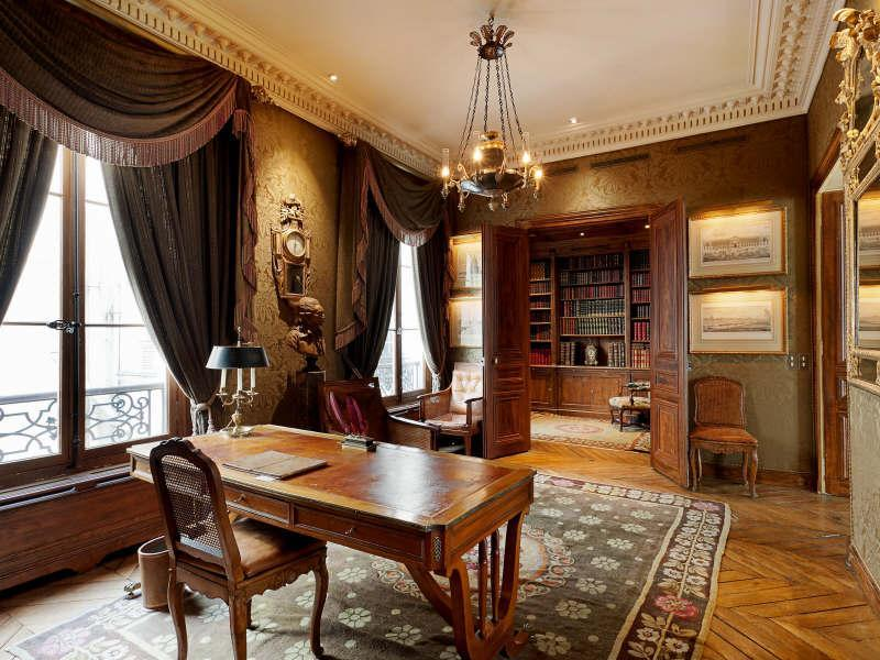 Victorian gothic interior style victorian gothic style for Office design victoria