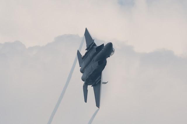 F-15 Eagle vapor trail