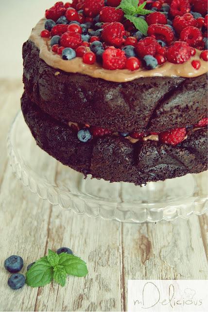 tort czekoladowy, tort z owocami, dobry tort, torty, tort przepis, przepis na tort, tort z malinami, tort z borówkami, tort z porzeczkami, torty, tort urodzinowy, tort na urodziny