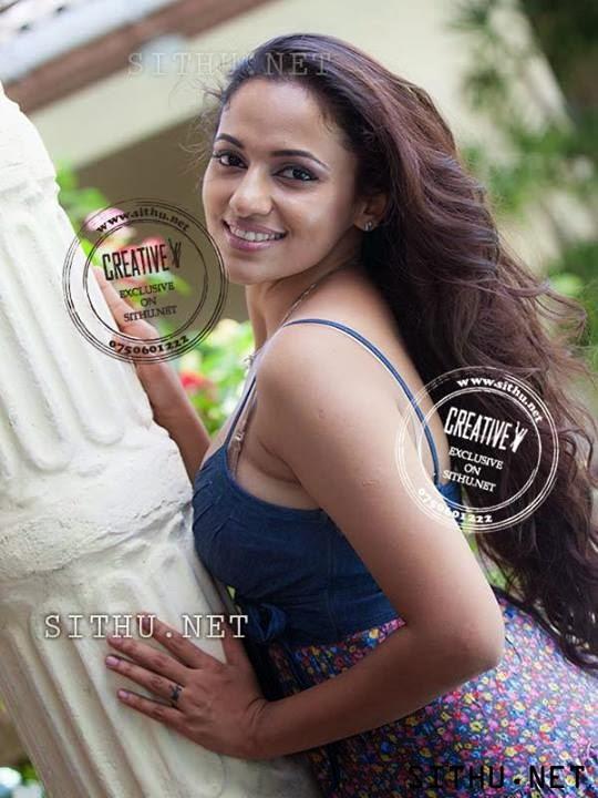 SL Hot Actress Pics: hot Udari Warnakulasooriya new