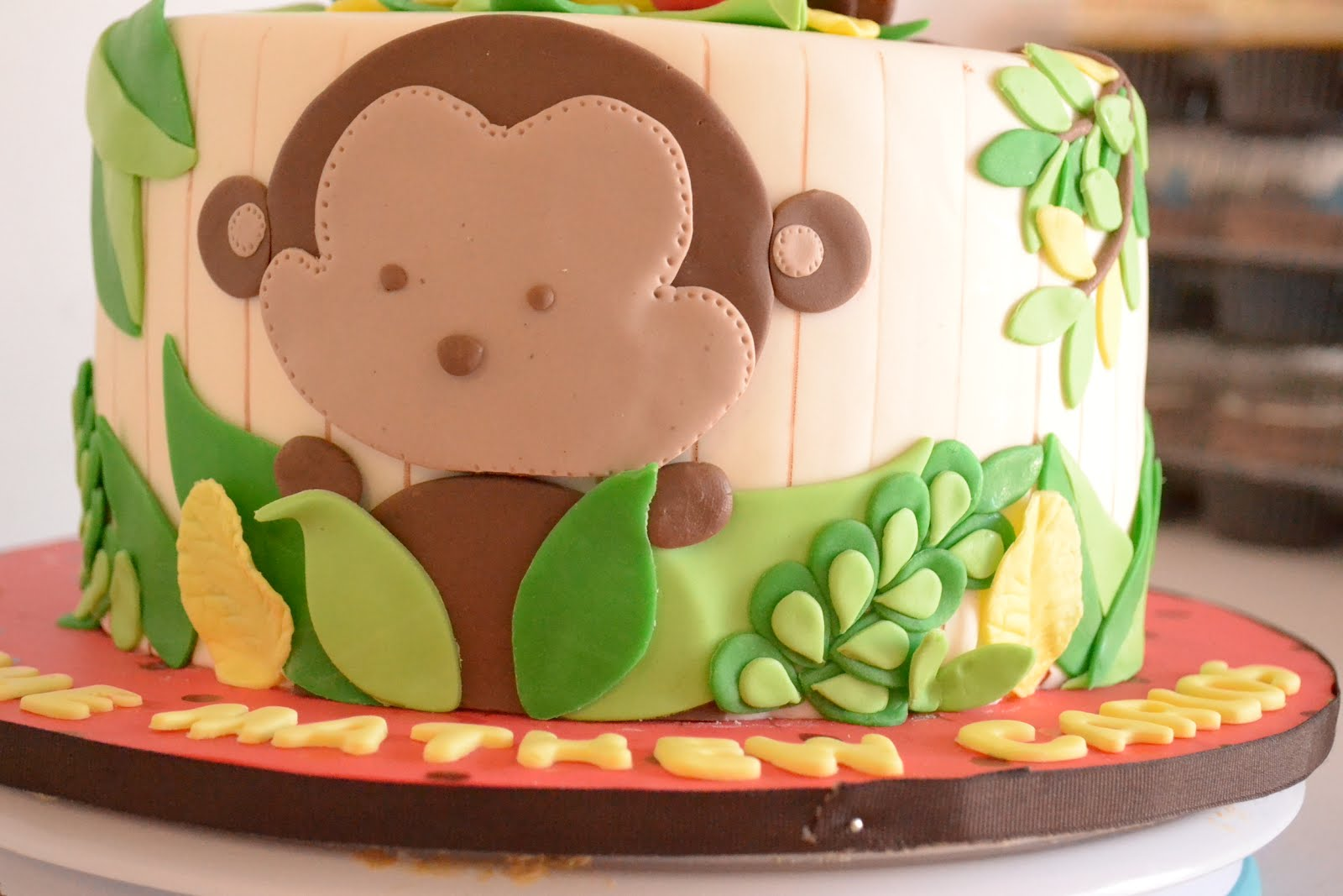 put a cupcake in it safari themed baby shower cake and cuppies