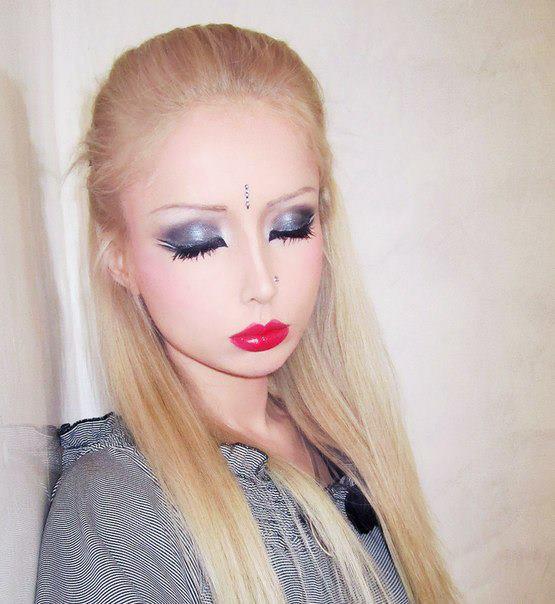 http://1.bp.blogspot.com/-tlgC6FKMroE/T_cUBswRJOI/AAAAAAAAAtU/BimvC5_Etv0/s1600/real-barbie+(1).jpg