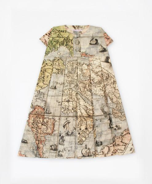 Roupa ou obra de arte? Vestidos feitos com mapas!