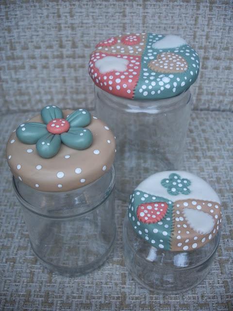 Conjuntinho, vidros em biscuit para condimentos