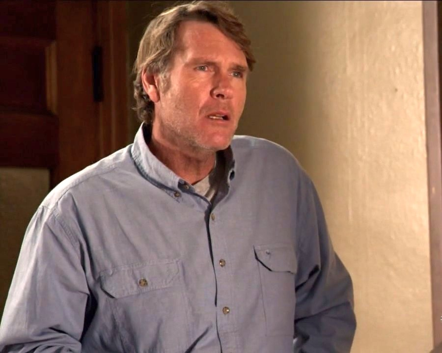 ... Photos: Robert Taylor pics, Longmire 1x01 Pilot Season 01 Episode 01