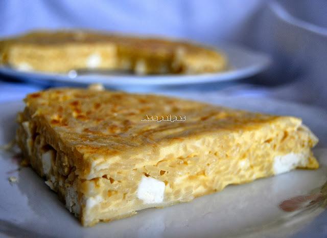 Tortilla Griega de Queso Feta y Fideos