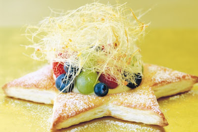 Star-shaped fruit pastries with spun sugar Recipe