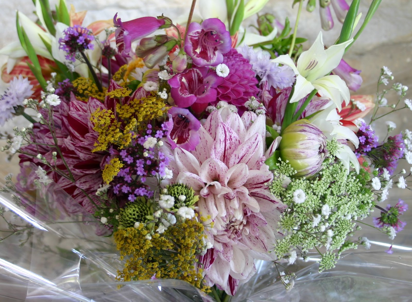 Treats in store what will you choose common farm flowers a typical common farm flowers bouquet izmirmasajfo