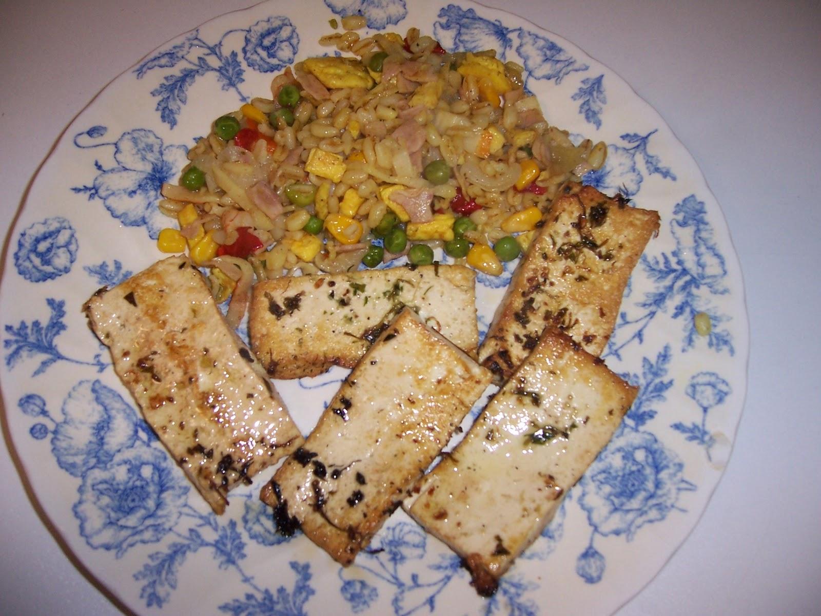 Pucheros de barro trigo frito y tofu - Pucheros de barro ...