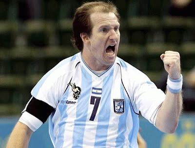 Veremos el logo gladiador en la camiseta argentina? | Mundo Handball